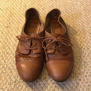 Cognac Leather Dolce Vita Saddle Shoes